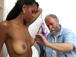 Bearded elderly Gynecologist Checks-Up All crevasses Of youthful Exotic chick freeporn